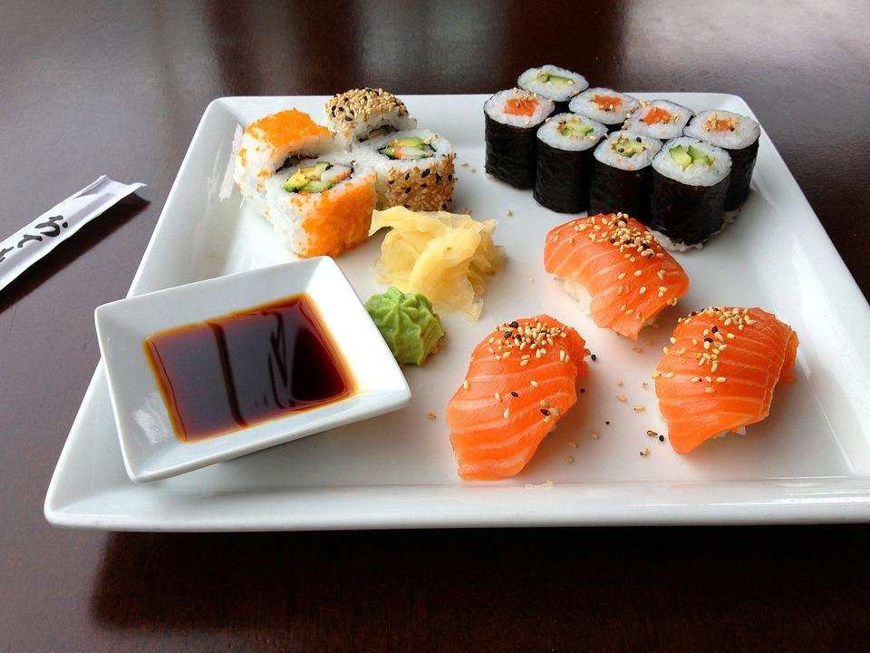 sushi-599721_960_720